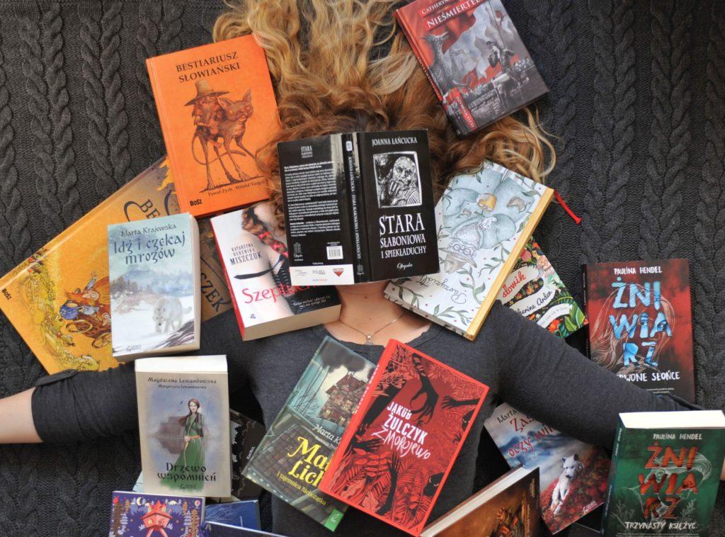 Autorka bloga zasypana słowiańskimi tytułami książek. Dosłownie.